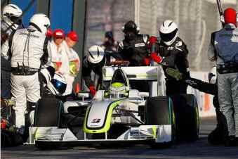 f1-grand-prix-crew